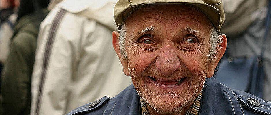 So werden ihn die Menschen in Erinnerung behalten: Juri Baleschko, hier 2011 auf der Beerdigung eines Sohnes.