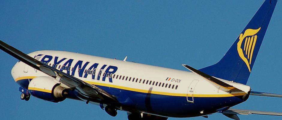 Der Pilot einer Maschine der Ryanair hat offensichtlich ein Alkohol- oder Drogenproblem.