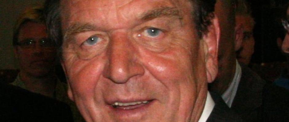 Kann endlich wieder lächeln: Gerhard Schröder.