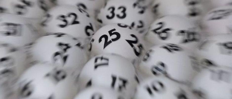 Eine Lottospielerin aus Köln hat gestern den Jackpot nicht geknackt. Mit dem verpassten Gewinn will sie jetzt kein neues Leben beginnen.