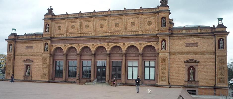 Die Hamburger Kunsthalle hat sich zusammen mit anderen Institutionen der Mülllagerung verpflichtet.