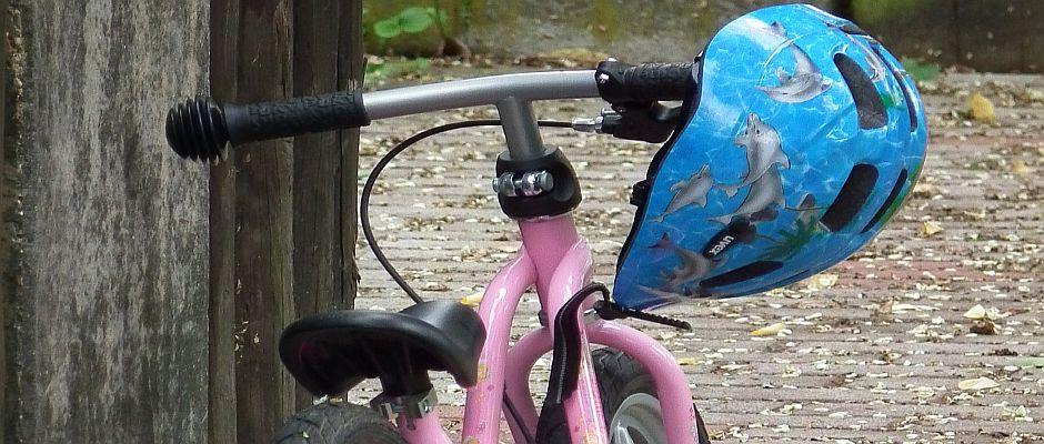 Gehörte bisher einfach zusammen: Fahrrad und Helm.