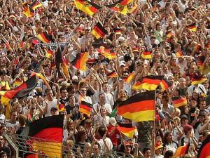 Tausende Fans in Deutschland, aber auch in vielen anderen Ländern, feierten gestern das großartige 4:0 gegen Portugal.