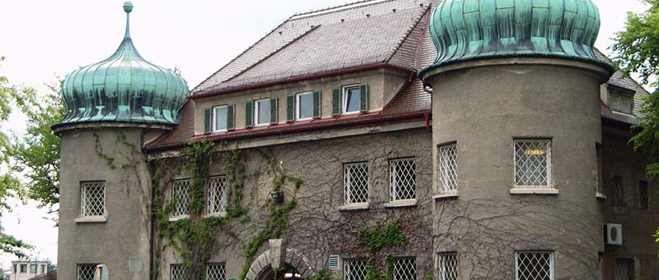Ein guter Fluchtort vor dem Abschneiden der DFB-Elf bei der WM: die Justizvollzugsanstalt Landsberg am Lech.