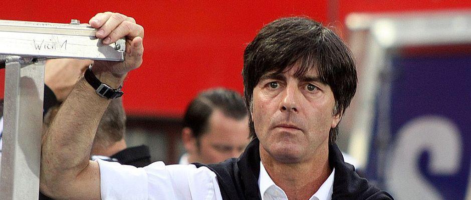 Die Unzufriedenheit über die zweite Halbzeit gegen Brasilien ist ihm anzusehen: Unmittelbar nach dem Halbfinale erklärte Bundestrainer Jogi Löw seinen Rücktritt.