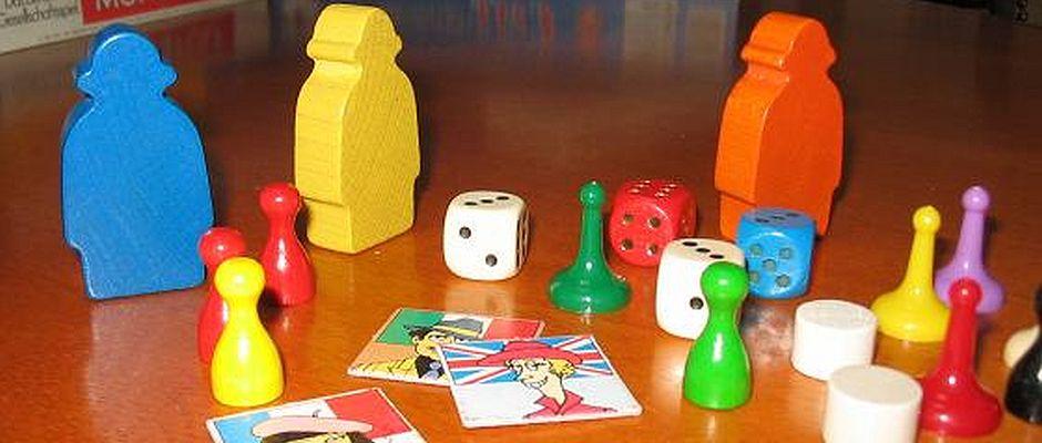 Für viele über 100-Jährige verboten: Spielfiguren aus Brettspielen.