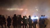 Seit Tagen kommt es in der amerikanischen Stadt Ferguson zu Straßenschlachten zwischen Demonstranten und der Polizei.