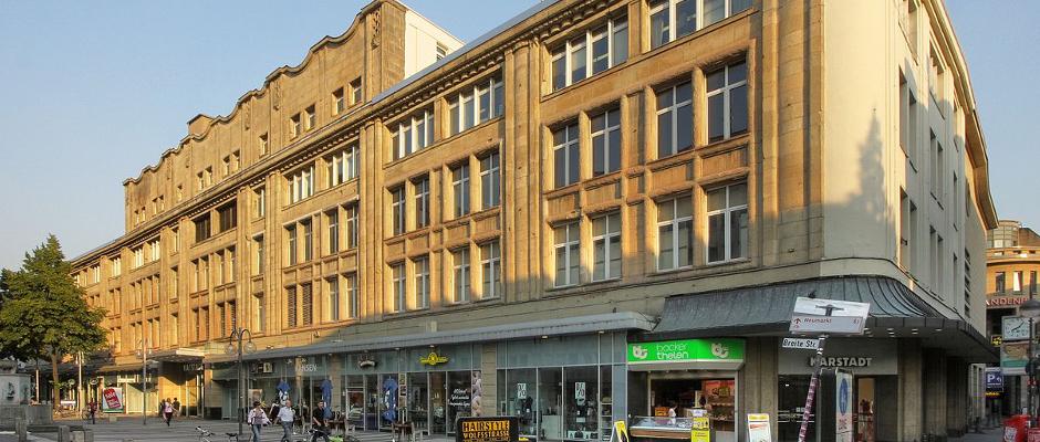Dank Karstadt hat Köln demnächst endlich mehr Platz für Flüchtlinge.
