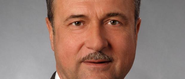 Große Ehre für Claus Weselsky, dem Vorsitzenden der GDL: er wurde zum Präsidenten ehrenhalber des deutschen Fernbusverbandes ernannt.