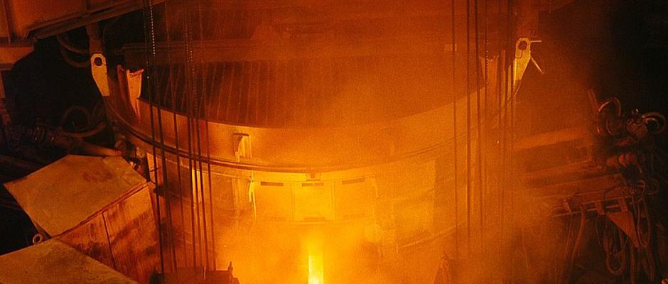 Derzeit sind hunderte Hochöfen und Stahlgießer mit dem Neubau des Eisernen Vorhangs beschäftigt. Ein enormer Jobmotor in Europa.