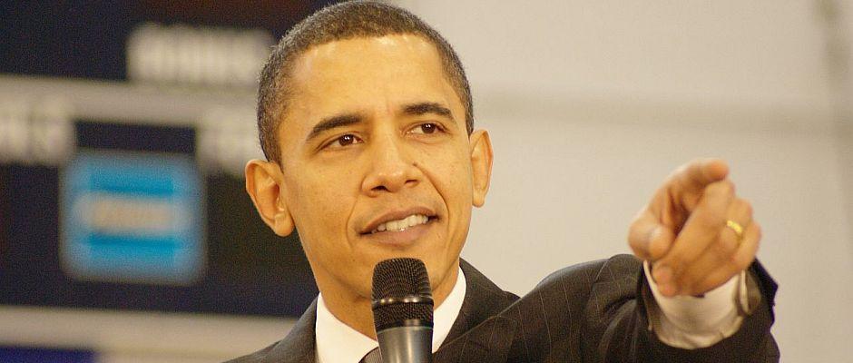 """""""Da ist die Türkei"""". Obama zeigt den Journalisten, wo genau die von den Amerikanern entdeckte Türkei liegt."""