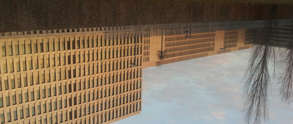 Der Neubau des BND in Berlin wurde Opfer eines Diebstahls. Zu allem Überfluss stellte man bei dem Wasserschaden auch noch fest, dass das Gebäude falsch herum aufgebaut wurde. Der Bund der Steuerzahler ist einmal mehr alarmiert.