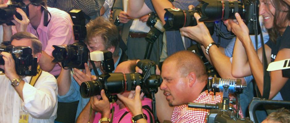 Ein Rudel Journalisten (Symbolbild).