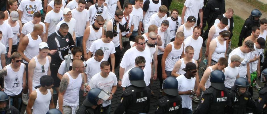 Hooligans der Frankfurter Eintracht können auf eine erfolgreiche Saisonvorbereitung zurück blicken.