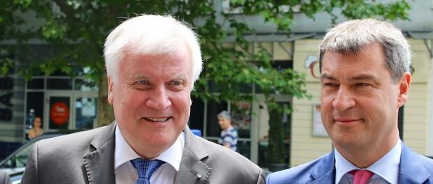 Wollen nicht am Grundrecht auf Dummheit rütteln: CSU-Chef Horst Seehofer (links) und Markus Söder.