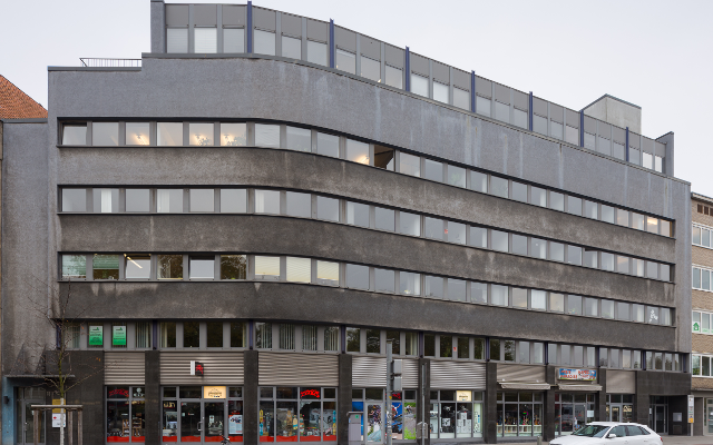 """""""Office building Goseriede 13-15 Mitte Hannover Germany"""" by Christian A. Schröder (ChristianSchd) - Own work. Licensed under CC BY-SA 4.0 via Wikimedia Commons"""