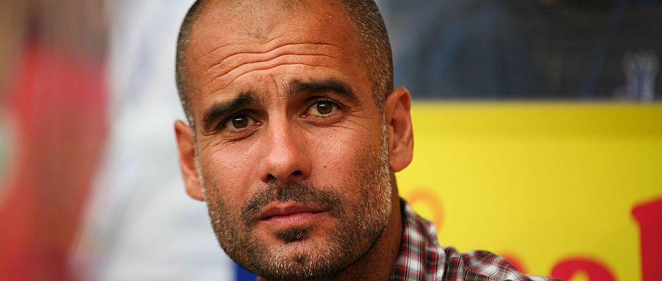 Eine völlig neue und unbekannte Situation für ihn: Pep Guardiola blickt nach der Niederlage gegen Gladbach dem Abstieg entgegen.