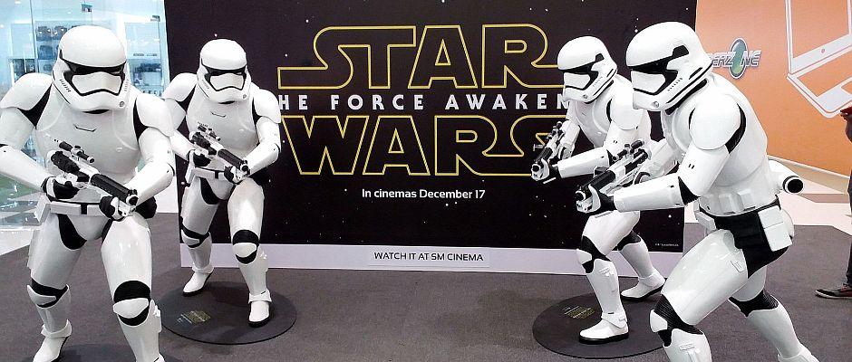 """Ein Heilsbringer für alle Probleme dieser Welt: Der neueste Star Wars-Film """"Episode VII - Das Erwachen der Macht""""."""