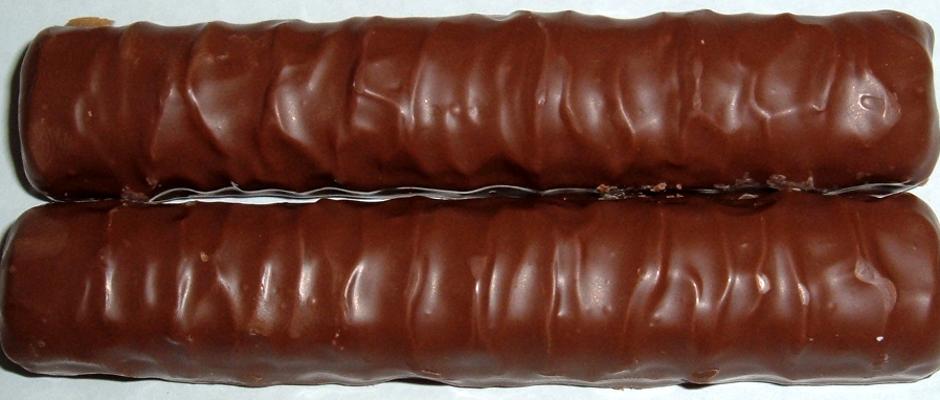 Sollte nicht gegessen werden: Das linke Twix (im Bild unten).
