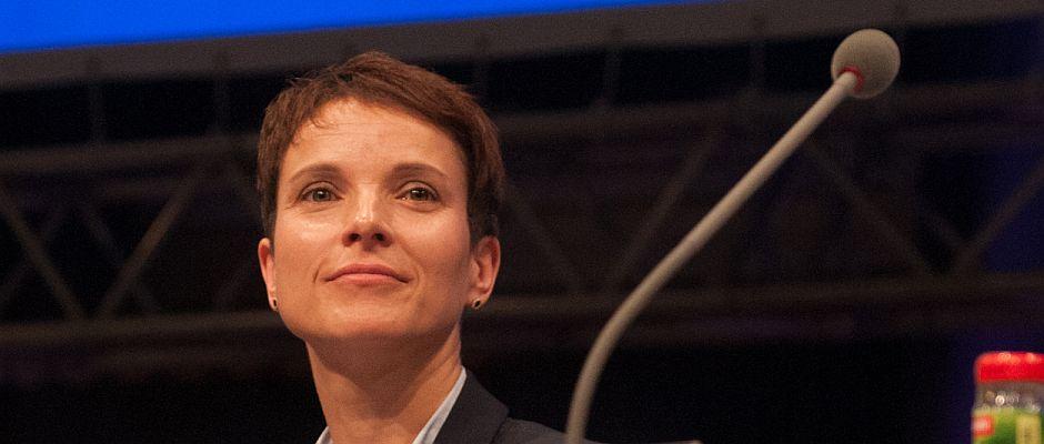 Rechnet sich bereits sehr gute Chancen auf die Kanzlerschaft 2017 aus: Frauke Petry.