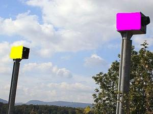 So wie auf dieser von unserem 6-jährigen Praktikanten Jonas erstellten Computersimulation könnten die Blitzer bald aussehen.