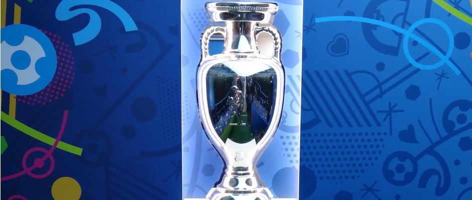 Der EM-Pokal soll Portugal aus der Schuldenkrise helfen.