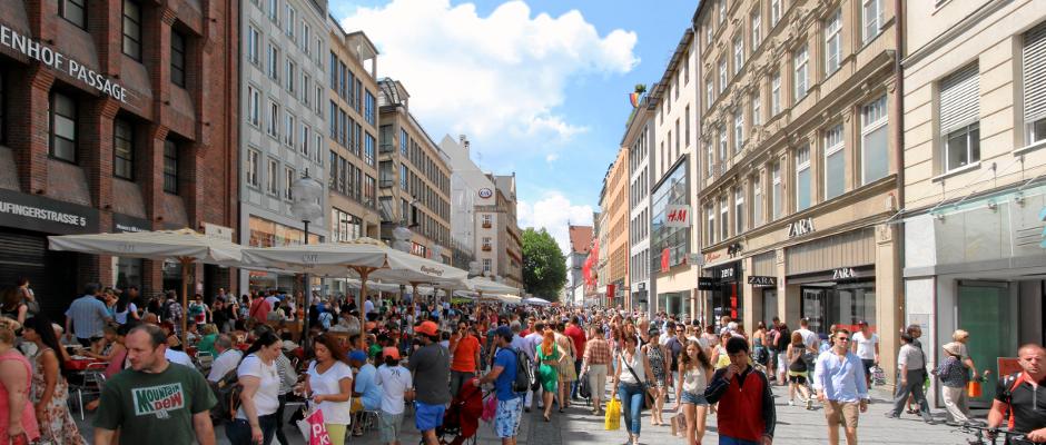 Normal wie immer, langweilig wie sonst auch - ein ganz gewöhnlicher Freitagmittag in Deutschland.