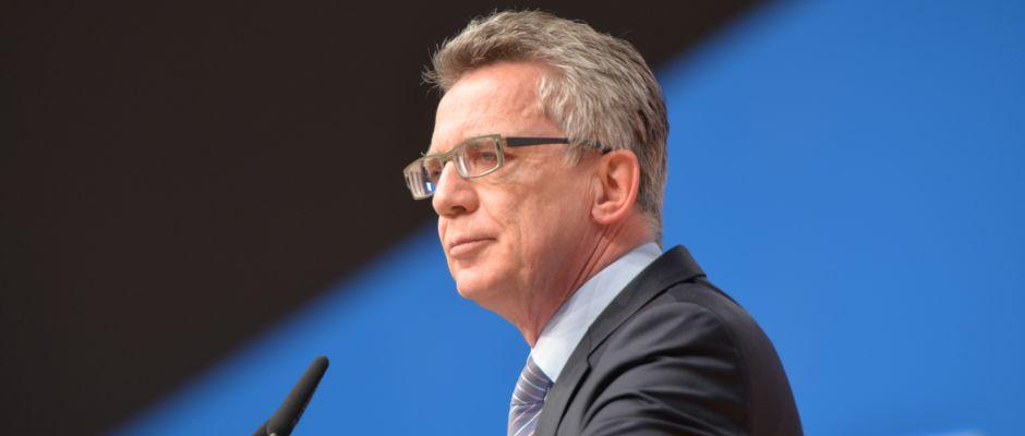 Innenminister Thomas de Maizière ist stolz auf das neue Sicherheitspaket.