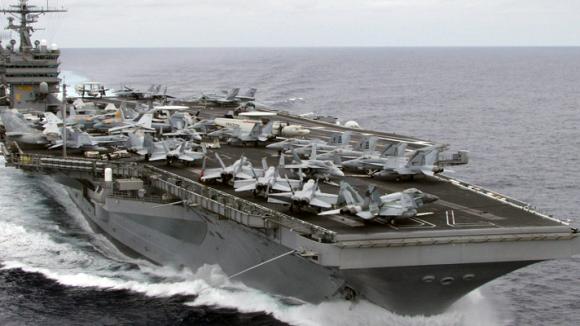 Der amerikanische Flugzeugträger USS Carl Vinson hat eine Irrfahrt im Pazifik hinter sich.