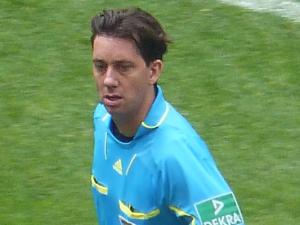 Kann er dem HSV beim wichtigen Abstiegsduell helfen? Manuel Gräfe.