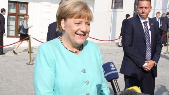Ist zufrieden: Angela Merkel kurz nach den Verhandlungen zwischen CDU und CSU.